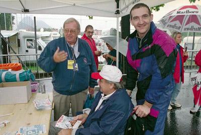 Ernest C. Buser mit Clay Regazzoni und Ruben Fontana an der Trofeo Kart in Lugano